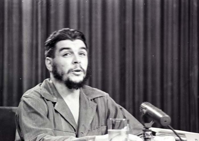 Che Guevara: Los cuadros como columna vertebral de la Revolución