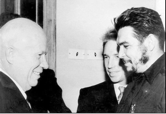 Che Guevara por la industrialización de la nación