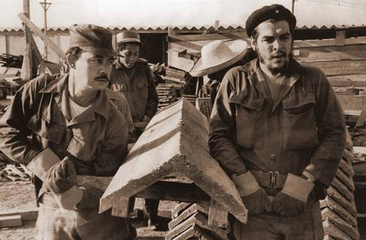 Ernesto Guevara: El trabajo no es la necesidad desgraciada del hombre