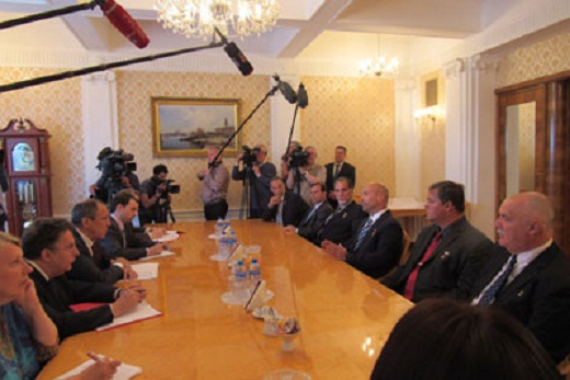 The Russian FM Receives Cuban Heroes