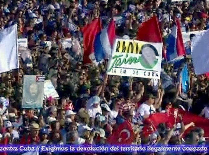 En fotos masivo desfile por el 1ro. de Mayo en Cuba