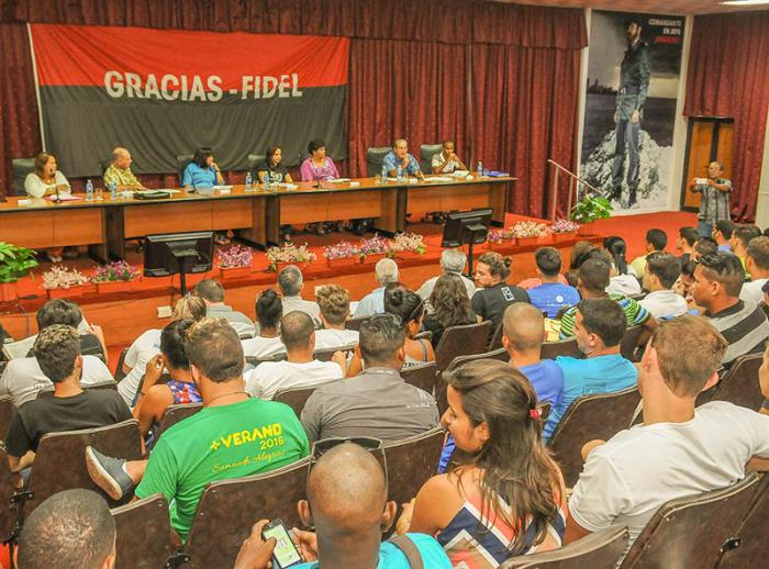 La formaci�n universitaria cubana a debate (+Audio)