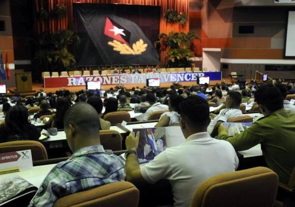 Presente Raúl Castro en jornada final del X Congreso de la juventud cubana. Foto: Abel Padrón