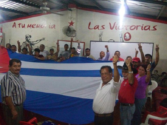 Dedican a Fidel congreso salvadore�o del Movimiento de Solidaridad