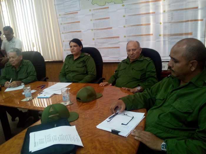http://www.radiorebelde.cu/images/Consejo de Defensa en La Habana evalúa medidas para enfrentar el Huracán Irma . Foto: Carlos Serpa/cuba/cosnejo-de-defensa-provincial-foto-carlos-serpa3.jpg