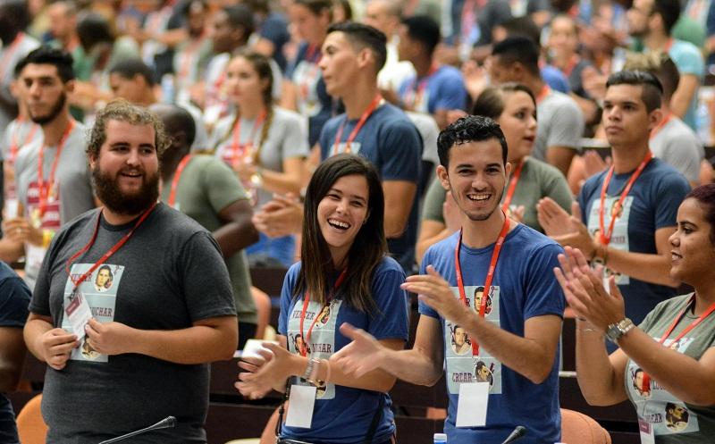 Asisten Machado Ventura y Díaz-Canel al Congreso de la FEU
