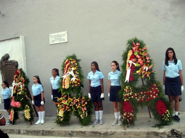 Homenaje en Santiago de Cuba, a Héroes y Mártires del 30 de Noviembre