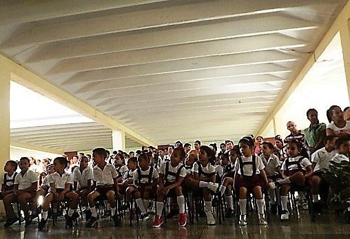 Centro mixto 6 de agosto, en Birán
