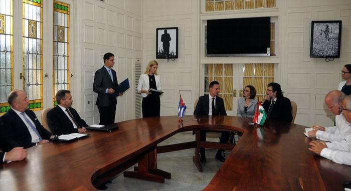 Cuba y Hungría firman programa de cooperación educativa y científica. Foto: Cubaminrex