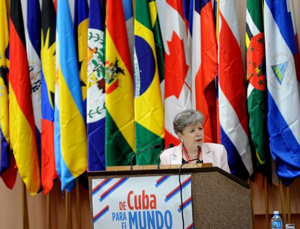 Alicia Bárcena: Cuba ha construido caminos alternativos (+Audio)
