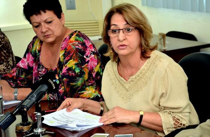 Declaraciones a la prensa de Alina Balseiro (D), presidenta de la Comisión Electoral Nacional (CEN), en La Habana,Cuba, el 5 de marzo de 2018. Foto: Marcelino Vázquez
