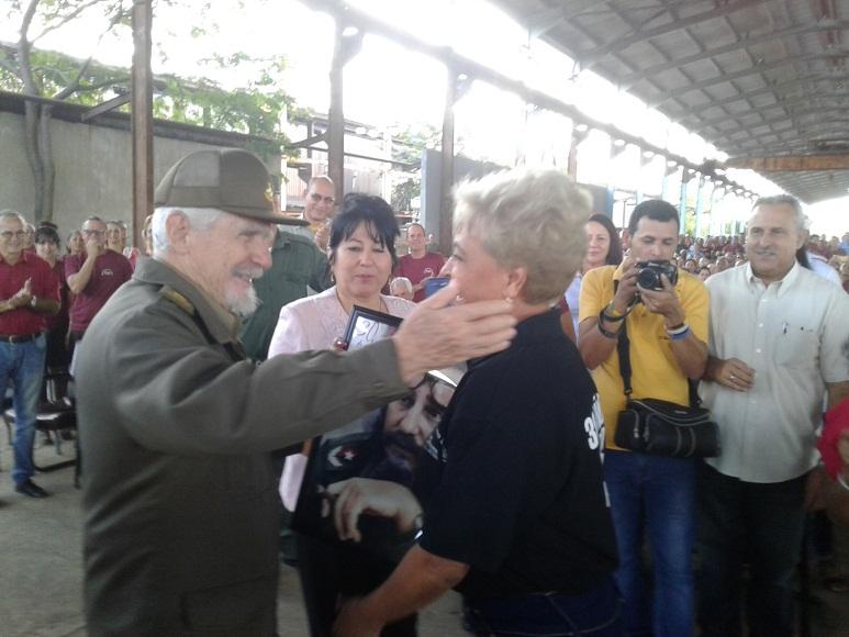 Presidió Ramiro Valdés acto por el Aniversario 30 del laminador 200-T