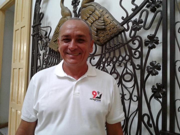 Richard, delegado al Congreso de los CDR, suena en el barrio