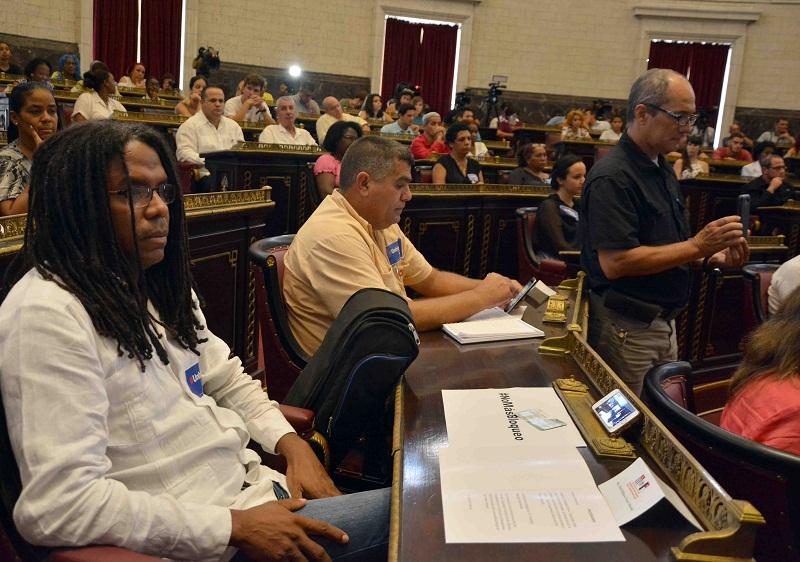 Audiencia pública contra el bloqueo desde el Parlamento cubano