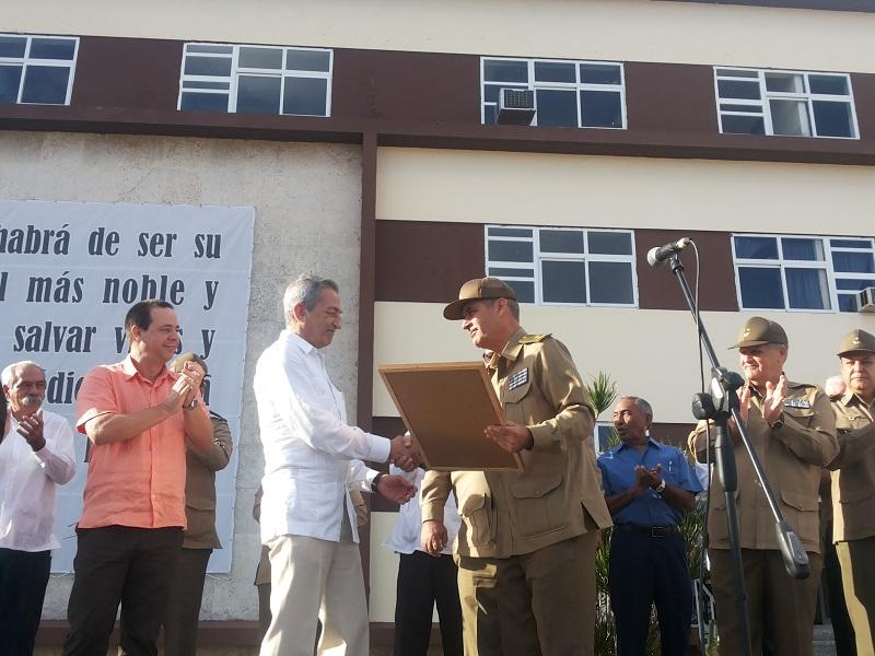 José Ramón Balaguer Cabrera, recibe de igual manera la condición de fundador del Hospital Militar