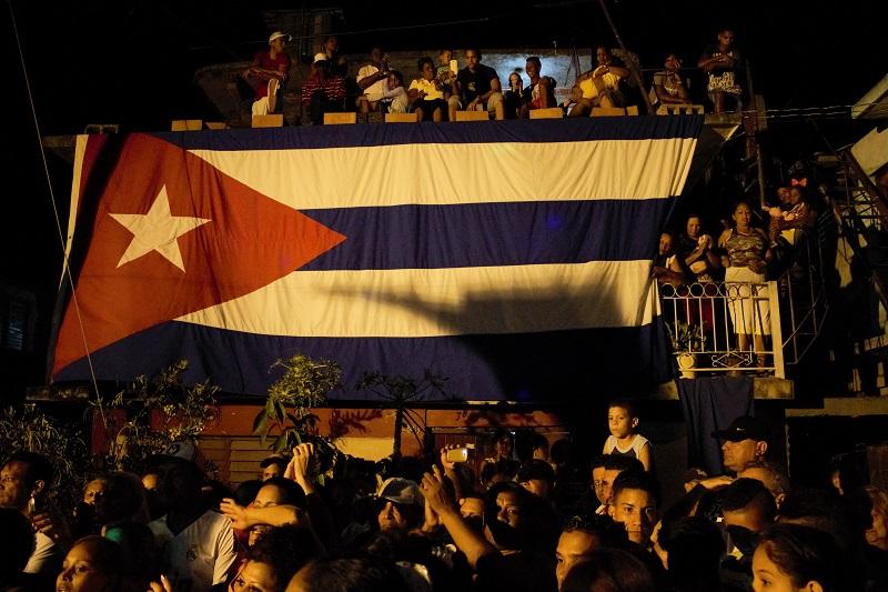 Cuba, solemnidad siempre para tu bandera