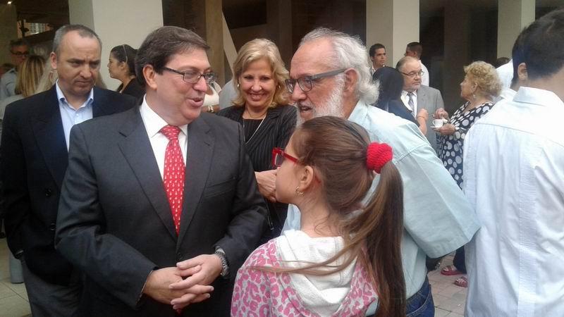 Cuba estrecha vínculos con residentes en el exterior, afirma canciller