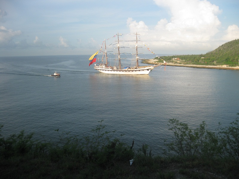 En Santiago de Cuba. Buque escuela Simón Bolívar.