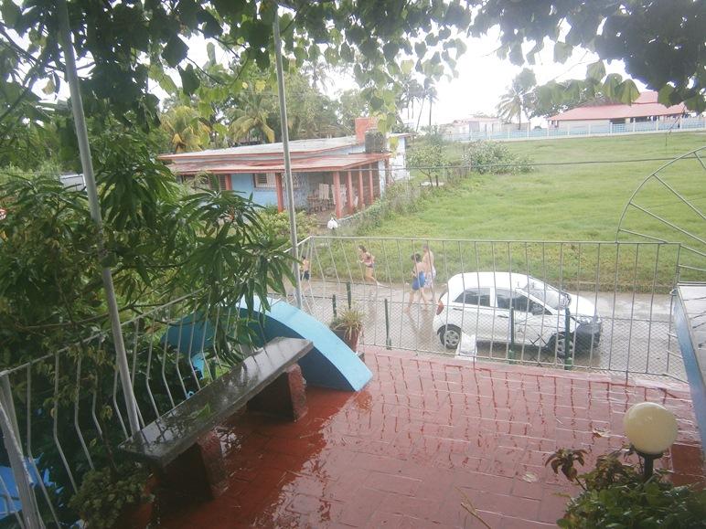 Más de once mil personas evacuadas en Cienfuegos