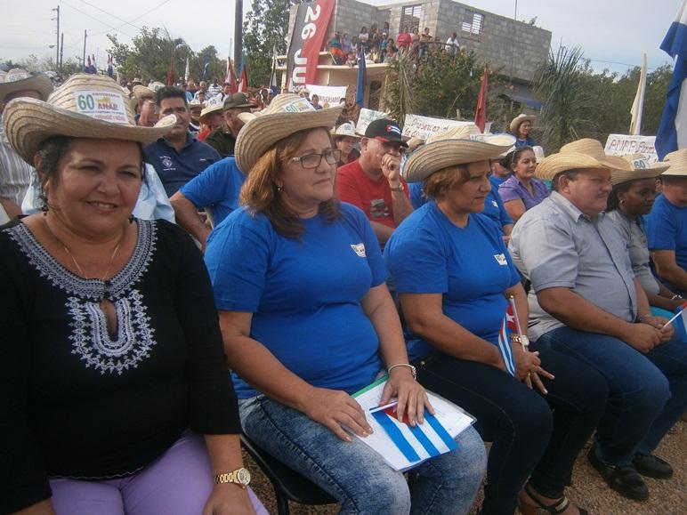 Felicita el Presidente Nacional de la ANAP a campesinos cienfuegueros