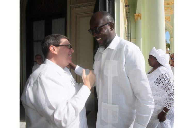 Recibe canciller cubano a su homólogo de Níger