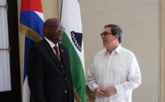 Recibió Bruno Rodríguez al Canciller de Lesotho