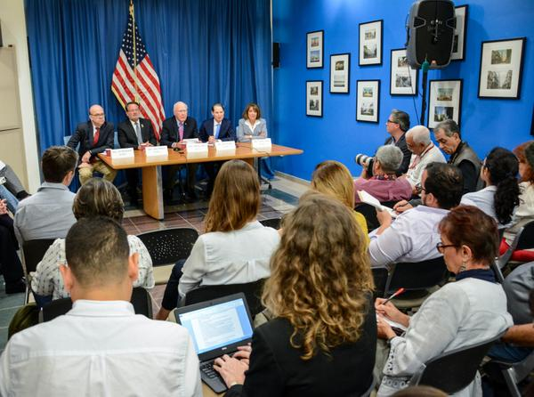 US Congressional Delegation Favor Improvement of Ties with Cuba