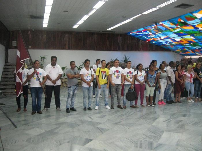 Abanderada delegación santiaguera al IX Congreso de la FEU