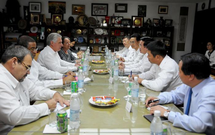 Recibe Díaz–Canel a alto dirigente del Partido Comunista de Vietnam
