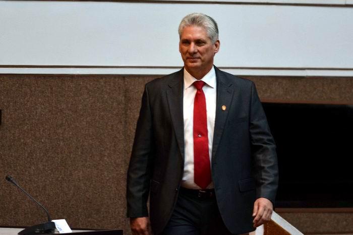 Asistió Díaz-Canel a los análisis de los documentos que se debatirán en el octavo c