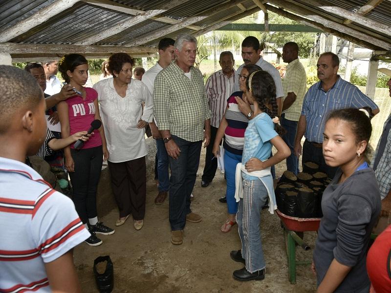 Díaz-Canel en visita de gobierno a Pinar del Río