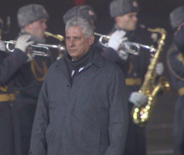 Llega Díaz-Canel a Rusia en su primera visita oficial como presidente