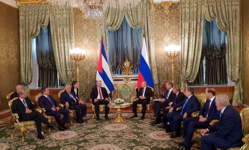 Vladimir Putin recibe a Miguel Díaz-Canel en el Palacio del Kremli