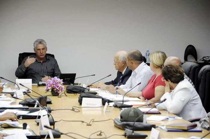 Diaz Canel checks preparations for Havana 500th anniversary