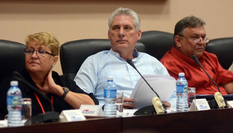 Asiste Díaz-Canel a sesión final del X Congreso de la UPEC (+Videos)