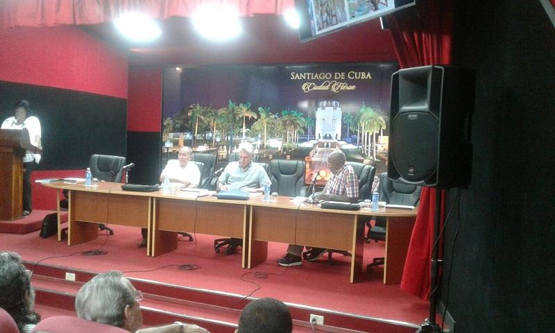 Se reúne en Santiago Díaz-Canel con Cuadros provinciales
