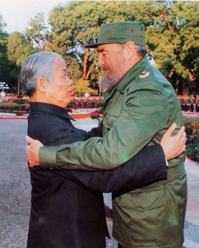 Expresan pesar por muerte de Do Muoi máximos dirigentes cubanos