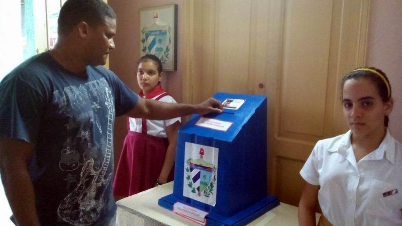 Activa participación de los avileños en los colegios electorales