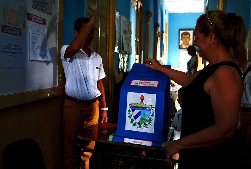Cuba elige con la guía de Fidel, con el compromiso de sabernos revolucionarios (+Galería de Fotos)