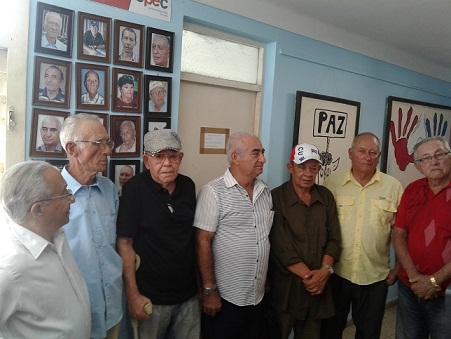 Los tuneros otorgaron premio por la obra de la Vida a periodistas