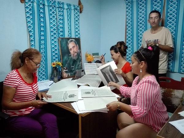 Continúa preparación para consulta popular. Foto: María del C. Castañeda Varona. Radio Cubitas, Camagüey