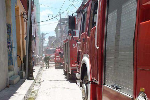 Evalúan daños tras incendio en planta telefónica de Villa Clara