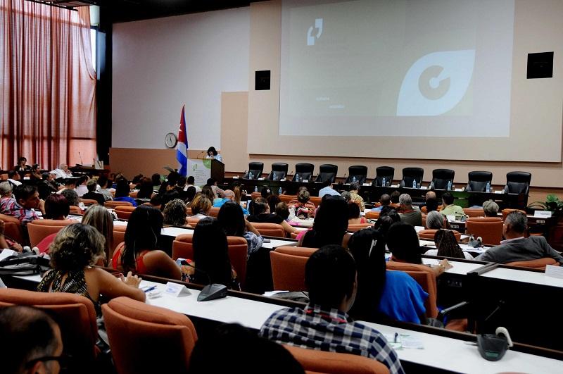 Asociación de Comunicadores Sociales premia a instituciones y personalidades