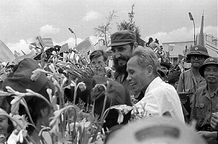 Recuerdan en Guantánamo aniversario 45 de visita de Fidel a Vietnam