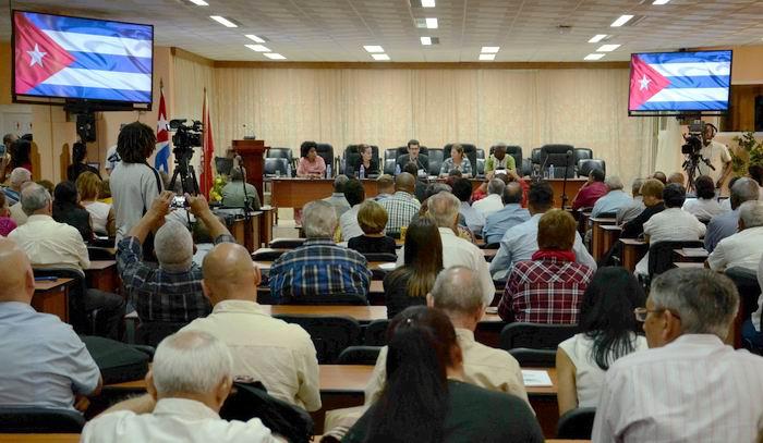 Declaración política del II Foro de la Sociedad Civil Cubana, Pensando Américas, realizado en la sede de la Central de Trabajadores de Cuba (CTC), en La Habana, el 21 de marzo de 2018.Foto: Abel Padrón
