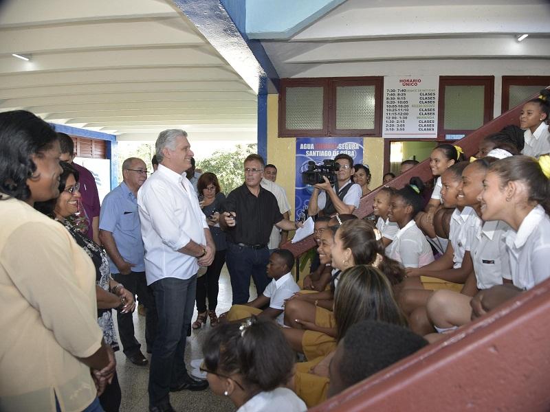 Intercambia Díaz-Canel con el pueblo santiaguero