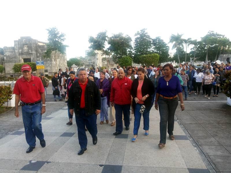 El integrante del Buró Político del Comité Central del Partido Comunista de Cuba, Ulises Guilarte de Nacimiento, secretario general de la Central de Trabajadores de Cuba y la Heroína de la República de Cuba General de Brigada de la (R) Delsa Esther Pueblas encabezaron la peregrinación