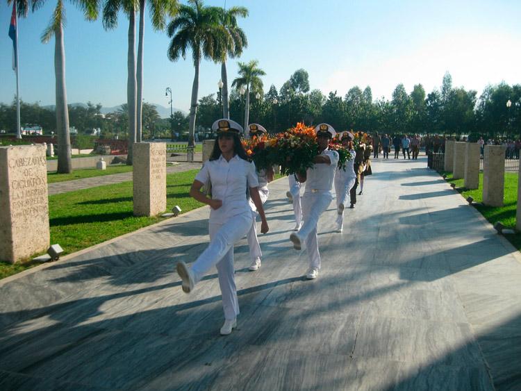 http://www.radiorebelde.cu/images/images/cuba/cuba-2/homenaje-santiago-2-diciembre-1.jpg