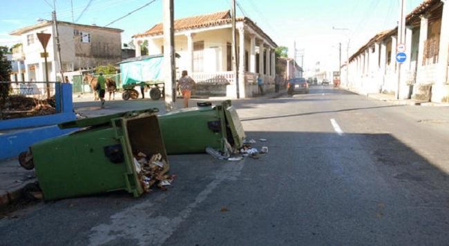 Indisciplinas sociales, vertederos de basura
