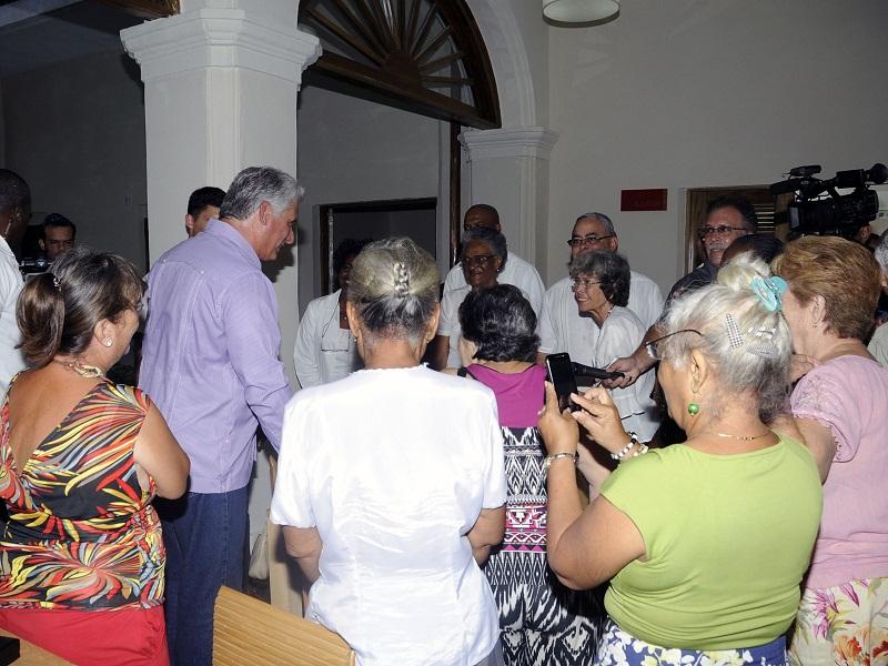 Díaz-Canel: El curso escolar comenzó bien y terminará mejor